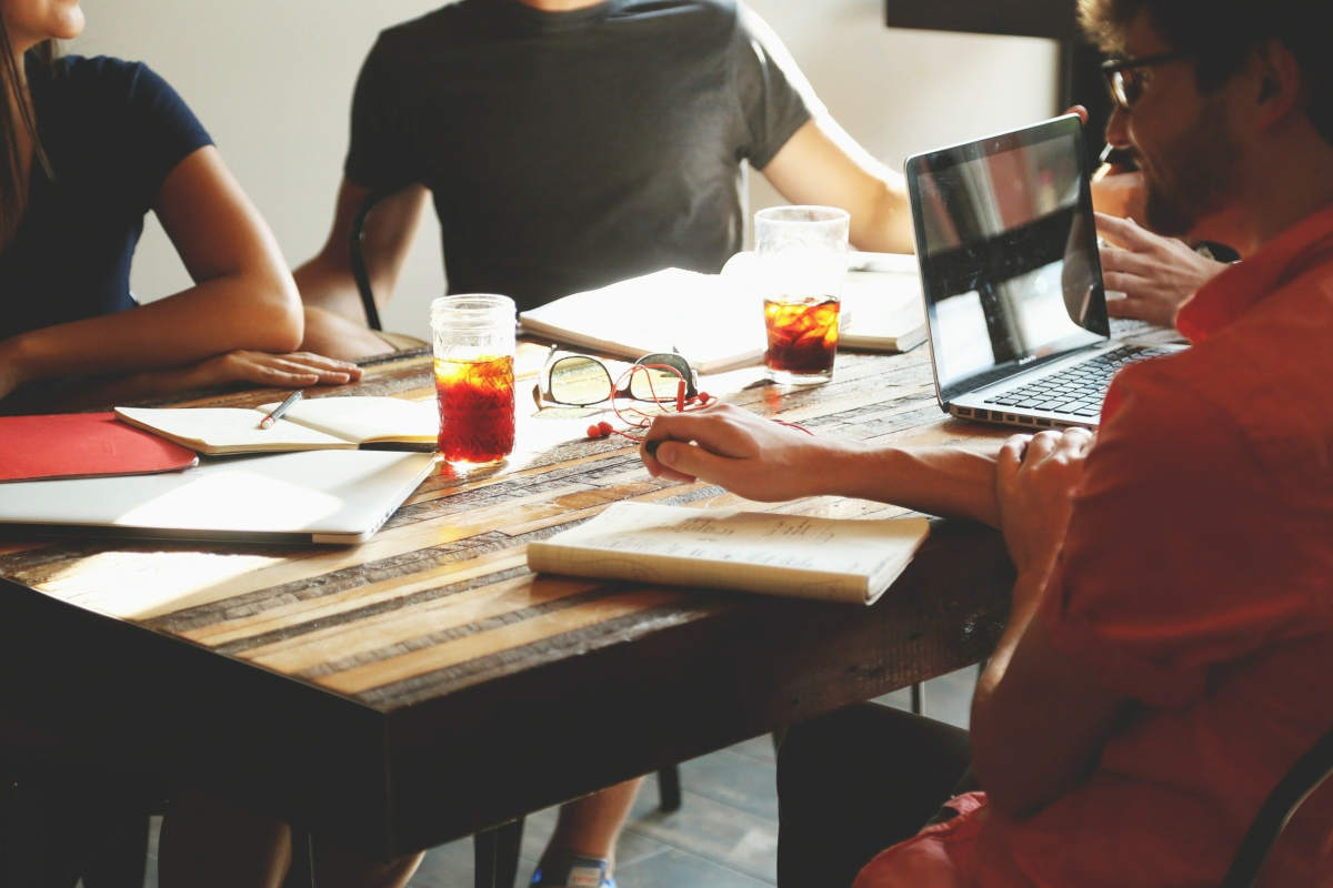 Brainstorming pour trouver des idées de mots-clés